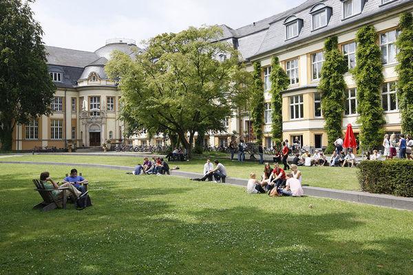 Bucerius Courtyard